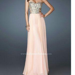 NWT La Femme peach chiffon strapless gown